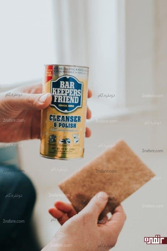 استفاده از مایع پاک کننده سطوح