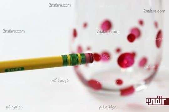 استفاده از پاک کن ته مداد برای گذاشتن نقطه های رنگی