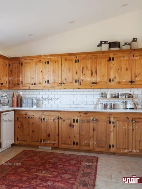 استند چوبی برای قرار دادن لوازم آشپزخانه