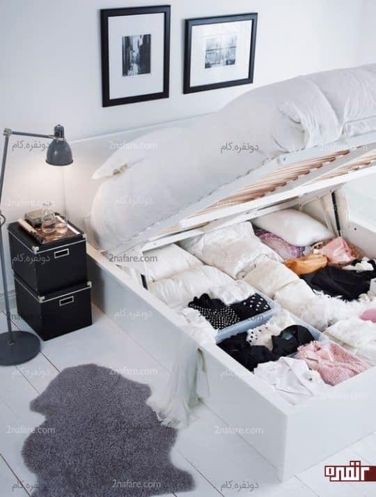 تخت خواب به همراه قفسه لباس راحت و جادار اتاق مهمان