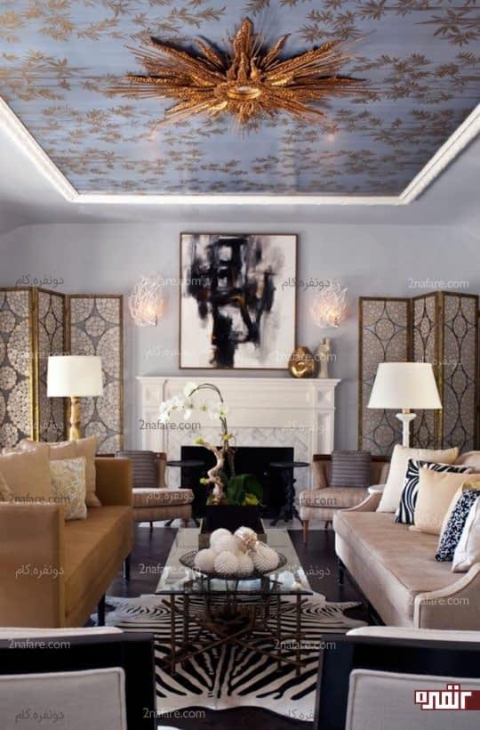 ترکیب سقف طراحی شده و نورپردازی برای تزیین اتاق نشیمن