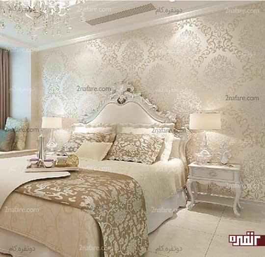 تزیین دیوار پشت تخت خواب با کاغذ دیواری