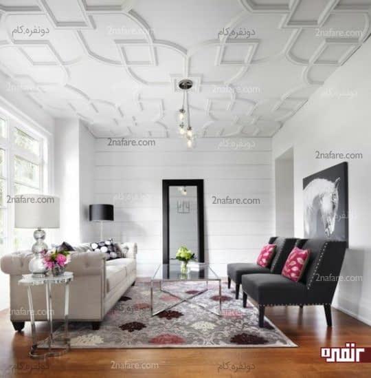 تزیین سقف نشیمن با گچبریهای هندسی و منظم