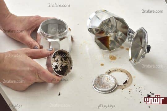 جدا کردن تکه های قهوه جوش از هم