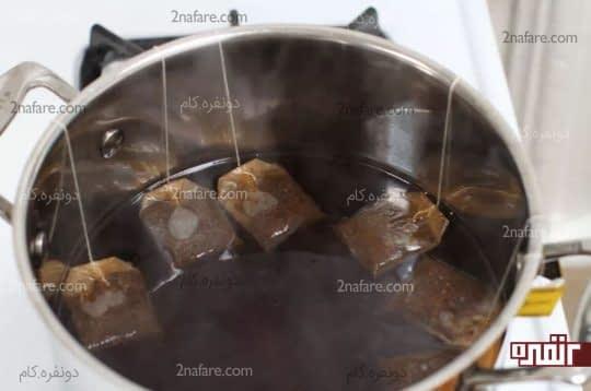 خیساندن چای های کیسه ایی در آب