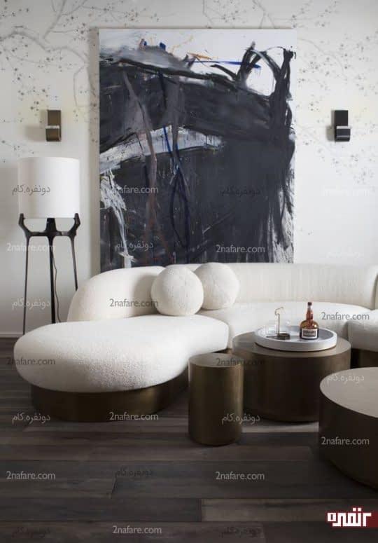 دکور خاص نشیمن با مبل سفید پایه فلزی