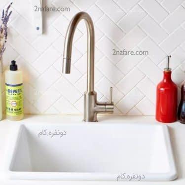 شستن سینک با آب