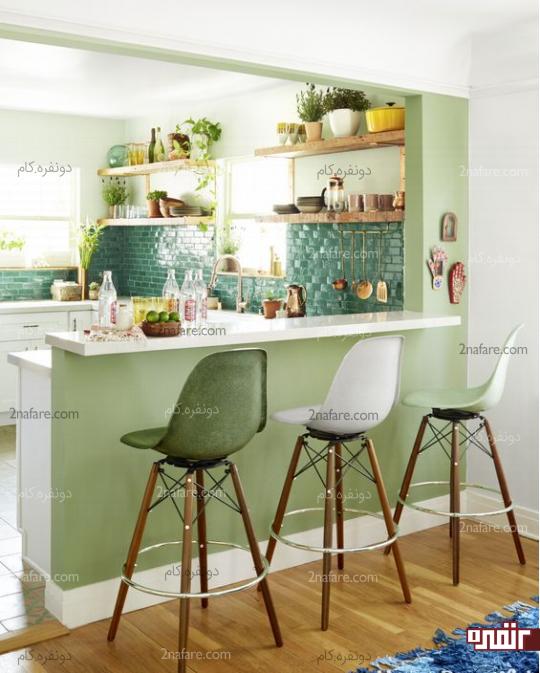 صبحانه خوری زیبا با صندلی های بلند