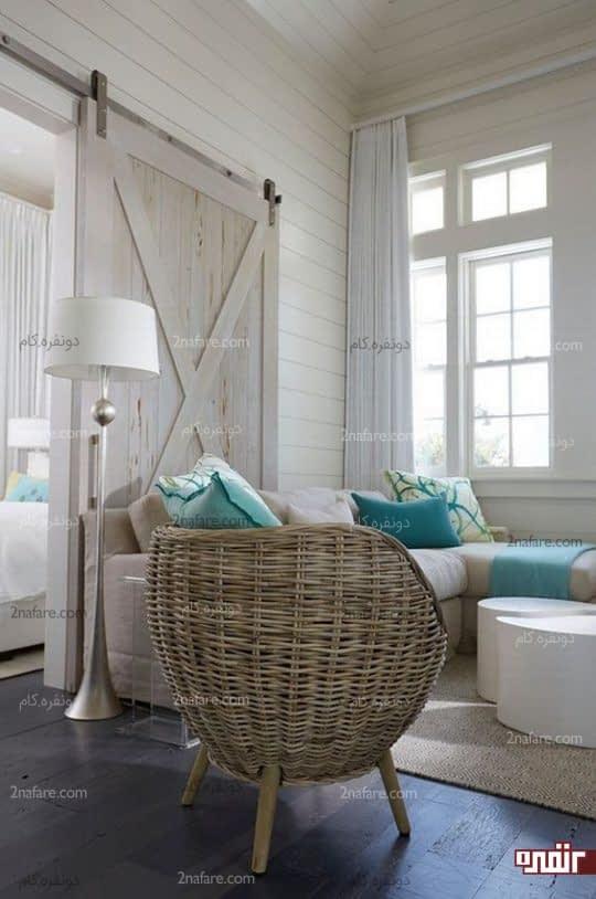صندلی کلاسیک مدرن در دکور ساحلی و تابستانه