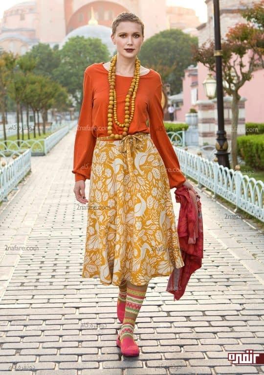 لباس با رنگ های شاد