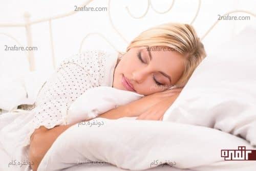 هنگام خوابیدن با آرایش چه اتفاقی برای پوست صورتتان خواهد افتاد؟
