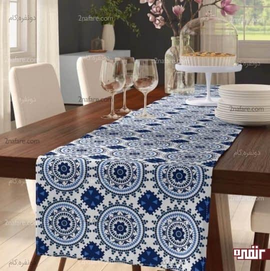 چیدمان زیبای میز غذاخوری با رومیزی های رنگی و جذاب