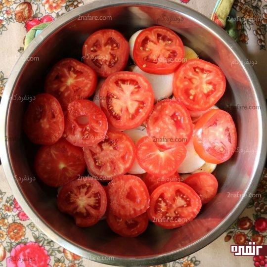 چیدن یک لایه گوجه