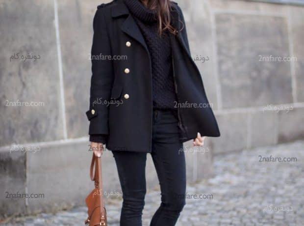 کیف قهوه ای با لباس مشکی