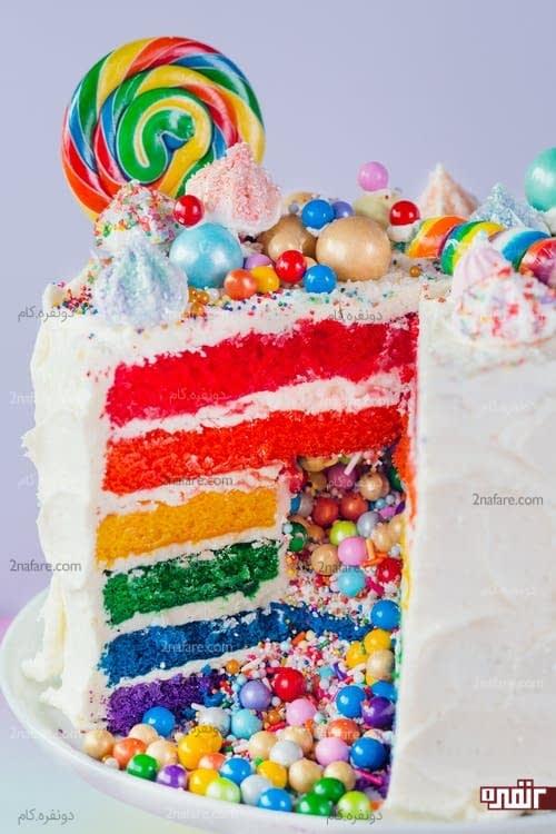 طرز تهیه کیک سوپرایزی رنگین کمان