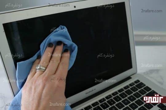 تمیز کردن صفحه LCD لپ تاپ