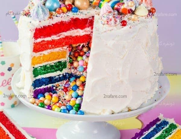 کیک سوپرایزی رنگین کمان