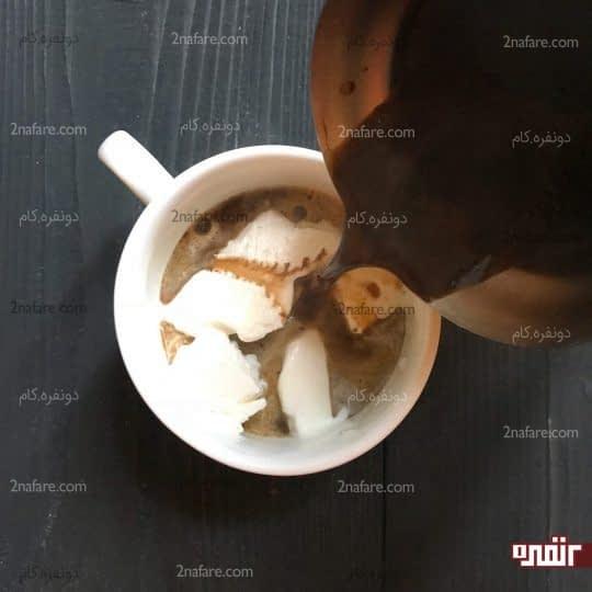 اضافه کردن قهوه به بستنی