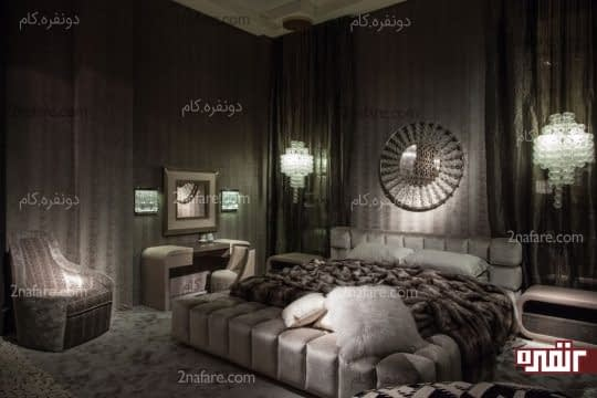 تزیین دیوار اتاق خواب لاکچری با آینه و نورپردازی مناسب