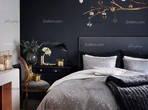 تزیین ساده و زیبای اتاق خواب با دیواری به رنگ سیاه