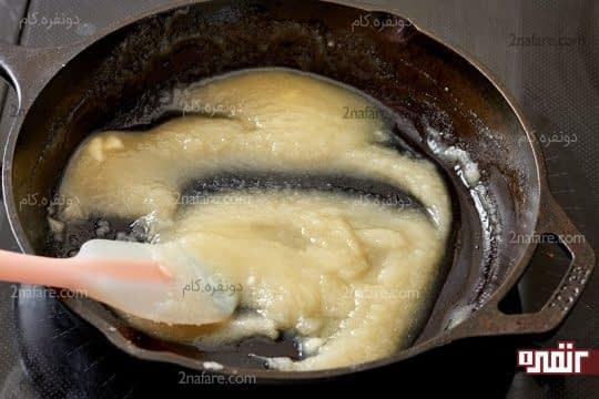 ذوب کردن کره و شکر