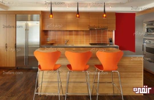 صندلی های نارنجی در آشپزخانه