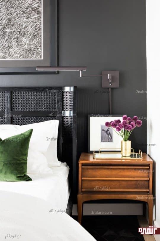 طراحی دیوار پشت تخت با رنگ تیره