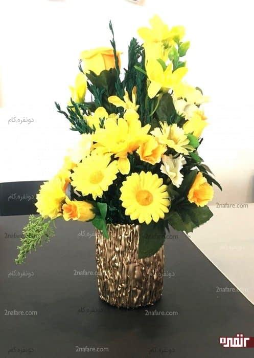 گلدان طرح برجسته طلایی