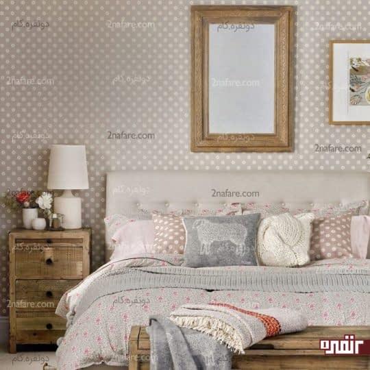 گل های سفید و ریز برای پوشش دیوار و روبالشی ها
