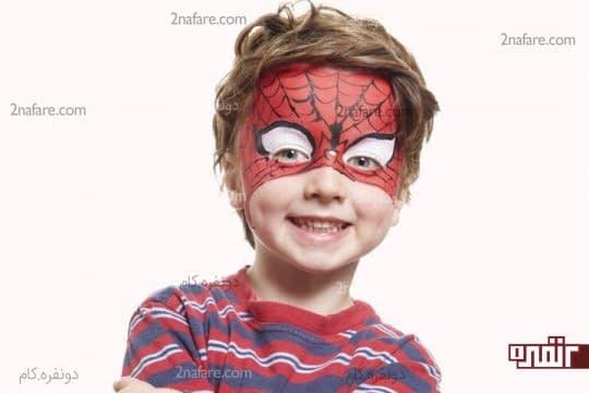 نقاشی مرد عنکبوتی روی صورت