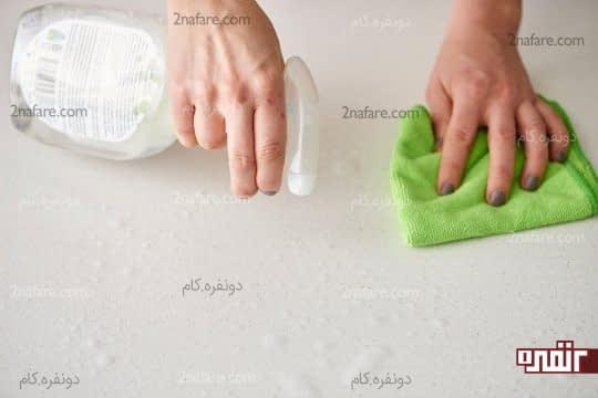تمیز کردن کانترهای اطراف