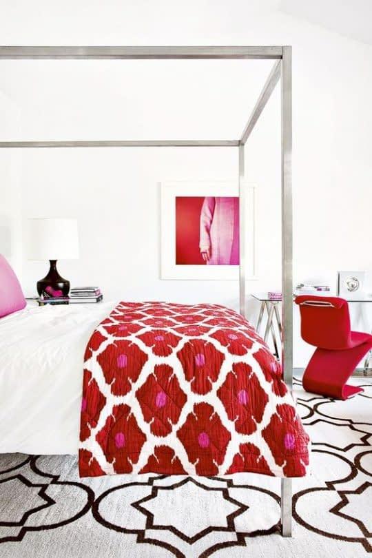 اتاق خواب لاکچری با طراحی دکور قرمز رنگ