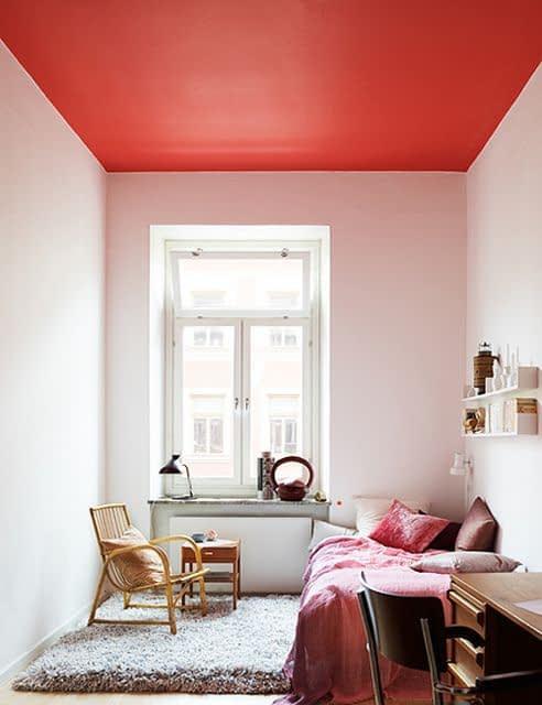 تلالو رنگ سقف روی دیوارها