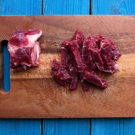 خورد کردن گوشت