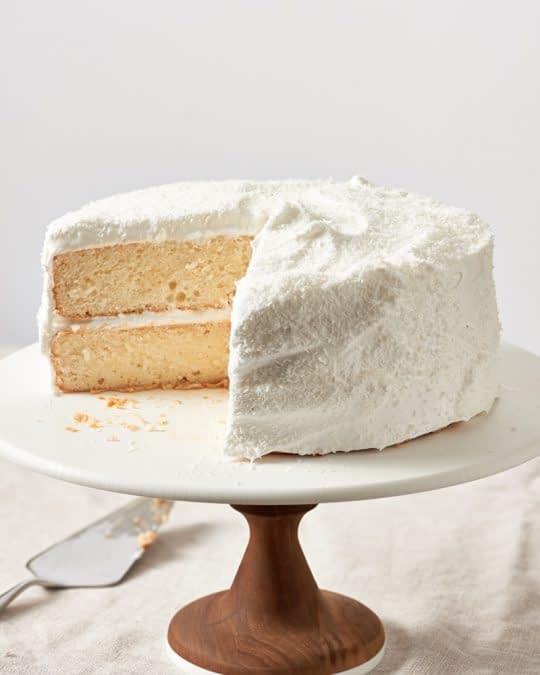 طرز تهیه کیک نارگیلی با فراستینگ مخصوص