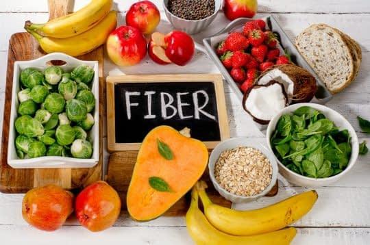 غذاهای سرشار از فیبر میتونه شکم شما رو بیشتر پر نگه داره تا کمتر غذا بخورین