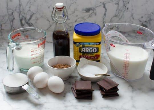 مواد لازم برای تهیه پودینگ شکلات