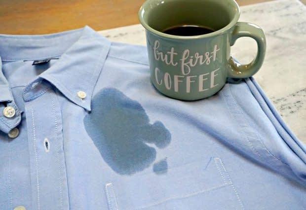 پاک کردن لکه قهوه از روی لباس