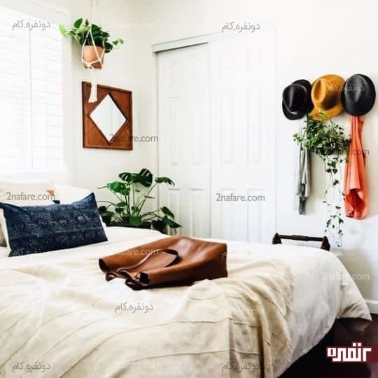 گلدان آویز و آینه چوبی سبک بوهو