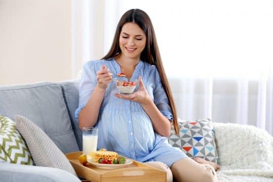 6 راهکار مناسب جهت افزایش اشتها در حین بارداری