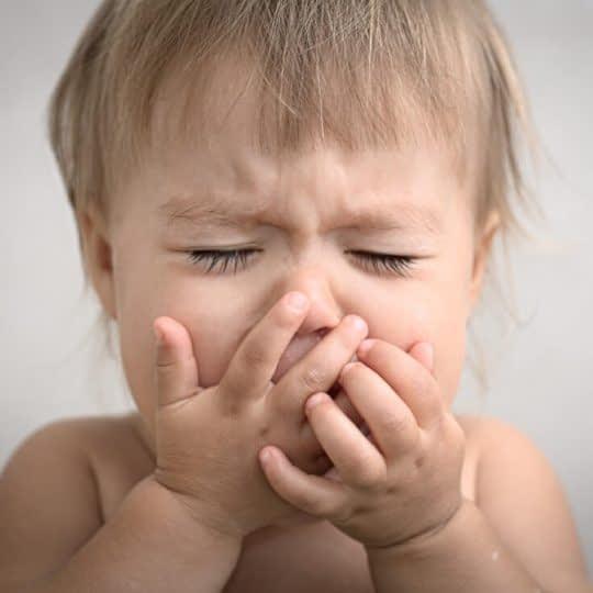 عفونت گلو در نوزادان