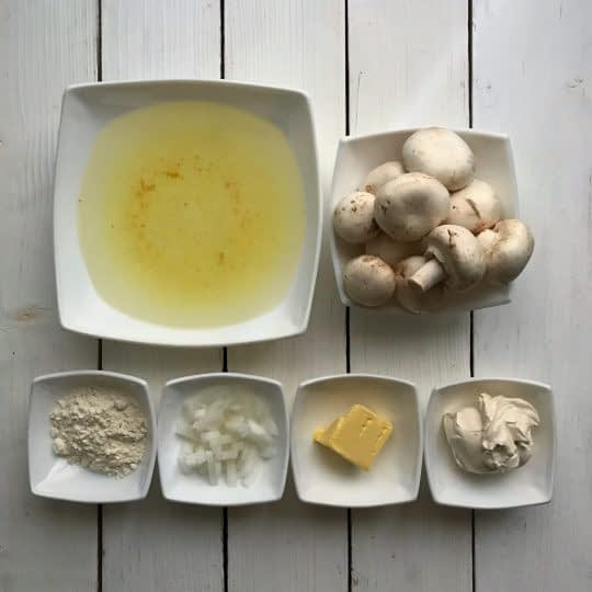 مواد لازم برای تهیه سوپ قارچ خامه ای