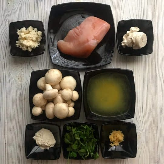 مواد لازم برای تهیه خوراک مرغ با سس پارمزان