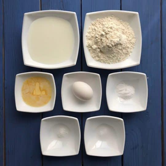 مواد لازم برای تهیه وافل کلاسیک