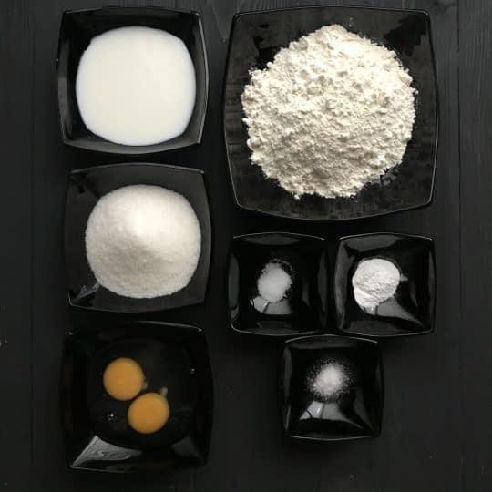 مواد لازم برای تهیه کاپ کیک ساده