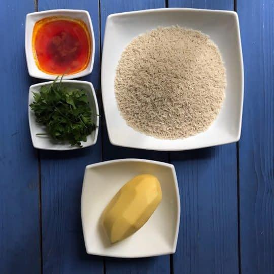مواد لازم برای تهیه ته دیگ سیب زمینی طرخ دار