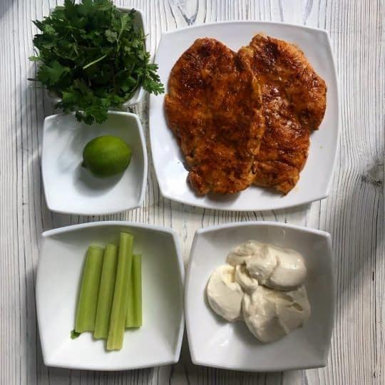 مواد لازم برای تهیه سالاد مرغ ساده