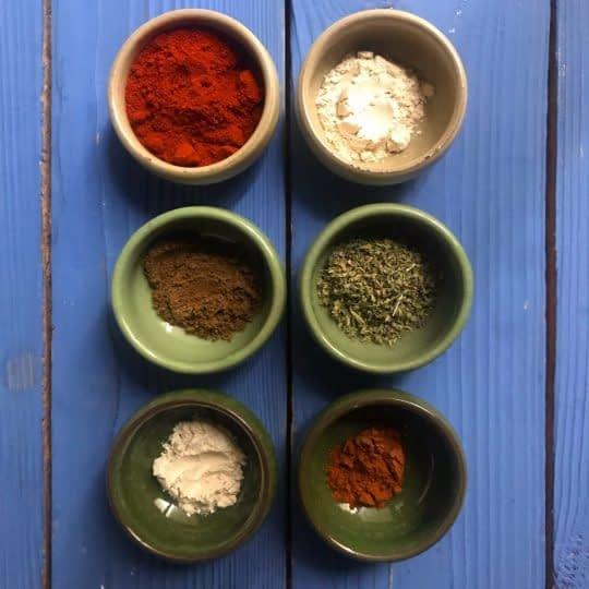 مواد لازم برای تهیه پودر چیلی