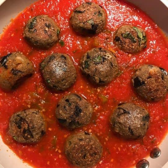 اضافه کردن کوفته به سس گوجه