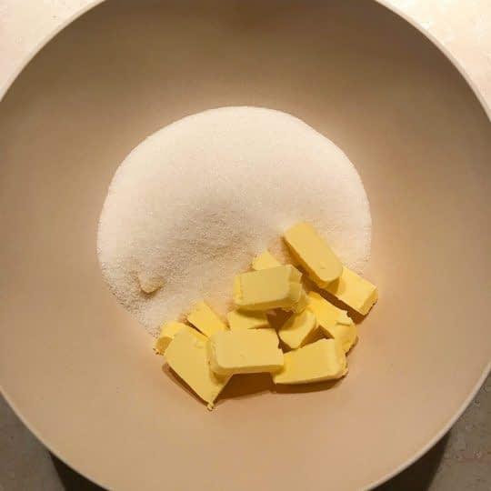 زدن کره و شکر